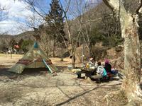 初キャンプは古法華