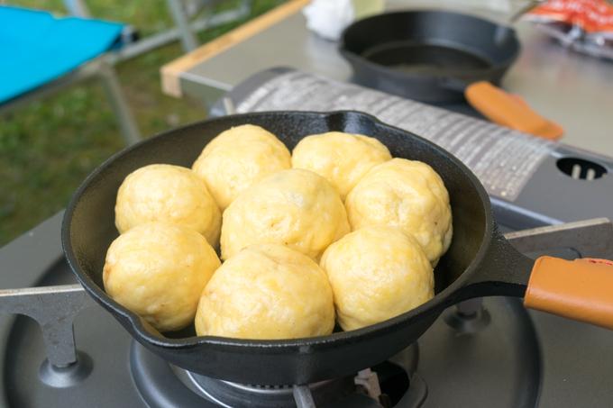 スキレットで「ちぎりパン」なる物を作っていたようです!! ニトスキを買って以来、色々と料理の幅が広がっている様子(^^)